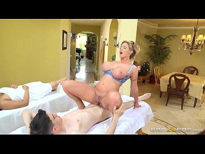 Torando massagista gostosa