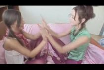 Novinhas safadinhas tocando siririca bem gostoso