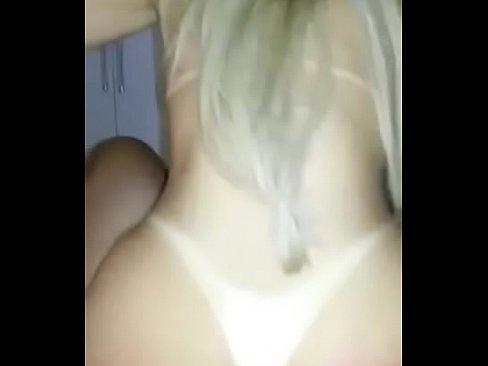 Loirinha do porno rabuda gemendo gostoso dando cu
