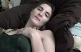 O melhor video incesto amador com a priminha gostosa caindo no cacete grande