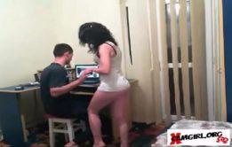 Mãe seduzindo seu filho em xvodios porno incesto